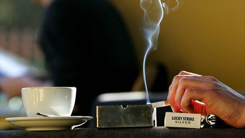 waktu terbaik minum kopi - kopi rokok