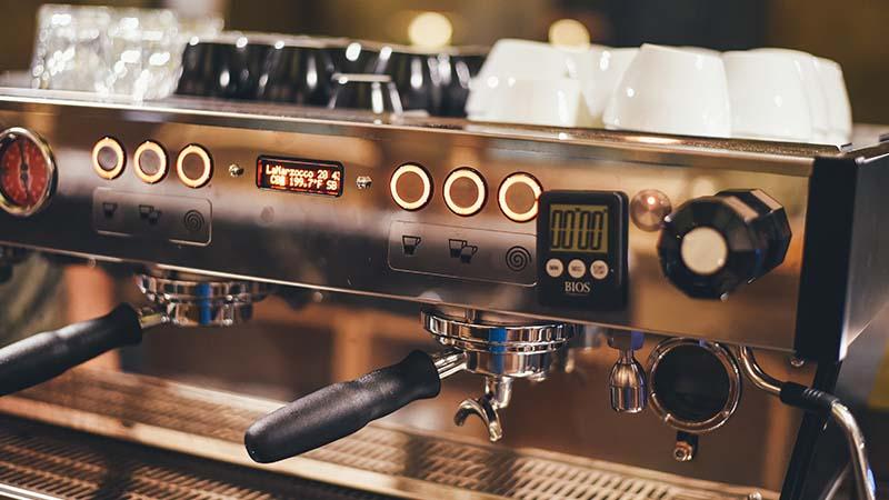 barista kopi - mesin espresso